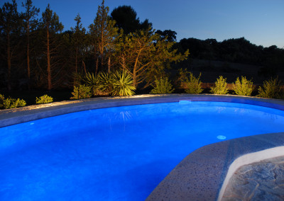 Can_Reiet_Vell_Pool_abends